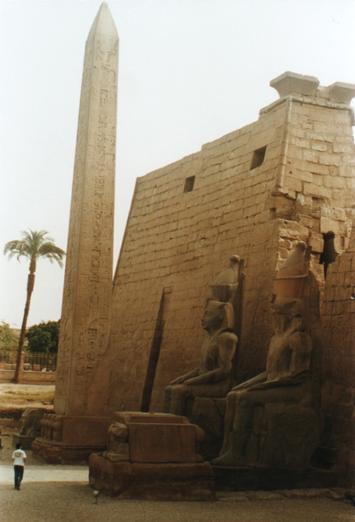 obelisk-luxortemple